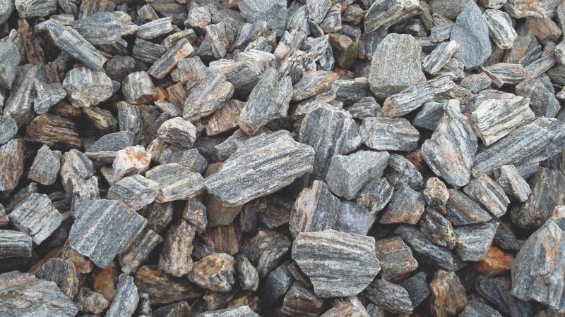 Zkamenělé dřevo drcené 8/16mm (20kg) - Zahradní a vodní doplňky Okrasné kameny
