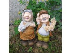 Babička s ovečkou (keramika)