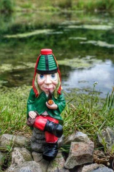 Vodník sedící malý (polyston) - Zahradní a vodní doplňky Dekorace